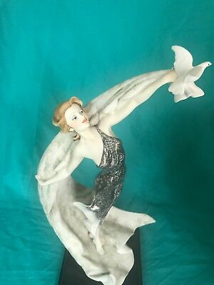 Giuseppe Armani figurine society 1992 Ascent Art 0866 C Members Only Italy