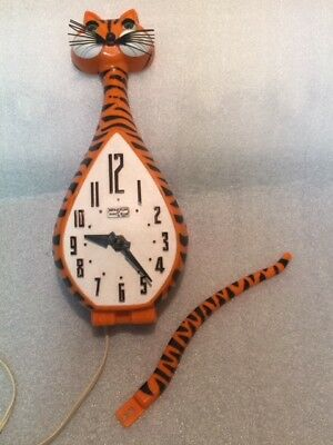 Vintage Tony Tiger Cat Clock With Original Tail Eyes Move Animated Spartus Usa