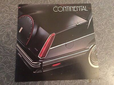 1982 Lincoln Continental Car Auto Dealership Advertising Brochure