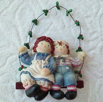 Raggedy Ann & Andy Swing Holly Ornament Simon Schuster Inc. Resin Wood Wire