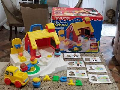 Vintage 1992 Fisher Price Little People School #2559 with Original Box~Extras