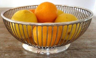 "Vintage ""VINERS"" (SHEFFIELD) SILVERPLATE FRUIT BOWL - Excellent Condition"