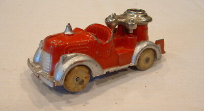 1940s HUBLEY CAST METAL FIRE ENGINE TRUCK WITH RUBBER WHEELS