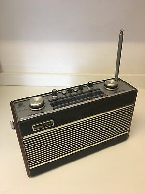NR. MINT 1970's ROBERTS R606MB (MAINS/BATTERY) LW/MW/FM TRANSISTOR RADIO Retro