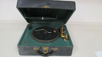 Antique VICTROLA VICTOR TALKING MACHINE PHONOGRAPH in Working Condition