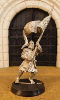 MINAS TIRITH BANNER BEARER - Lord Of The Rings Metal Figure(s)