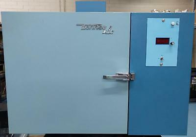Tenney JR Environmental Test Chamber 115V Air Cooled No Humidity 2' Port Hole