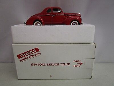 Danbury Mint 1940 FORD DELUXE COUPE WITH BOX *Missing One Door Handle* 1:24