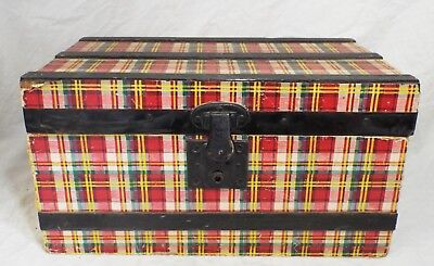 SMALL Antique PLAID Pattern WOOD w/ Paper Overlay DOLL OR CHILD'S STEAMER TRUNK