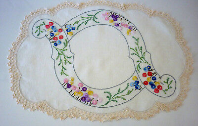 Beautiful Linen Hand Embroidered & Hand Crochet Edge Doily Flowers 51 X 35Cm Vgc