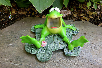 Wide Open Mouth Frog Lily Pad ResinW.Stratford 5.5 in.Garden Ribbitz Collection