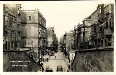 Foto Ak Valletta Malta, Strada Reale from top of Gateway,... - 1945466