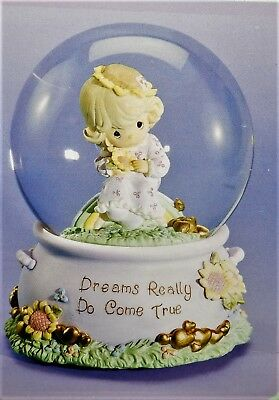 """Precious Moments Musical Waterball Globe Plays """"somewhere over the rainbow"""" New"""