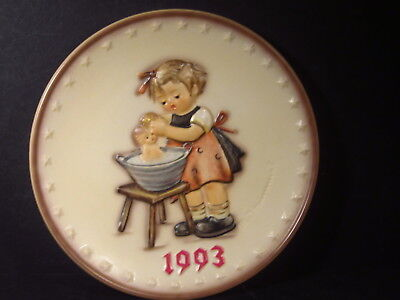 1993  Hummel Goebel Annual Plate DOLL BATH  MIB