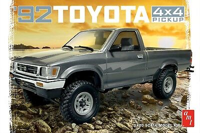1992 Toyota 4X4 Pick-Up 1/20 scale skill 2 AMT model kit#1082