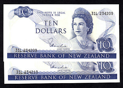 New Zealand NZ $10 Hardie Type I 1977-81 P. 166d QEII Consecutive Pair 31L AU
