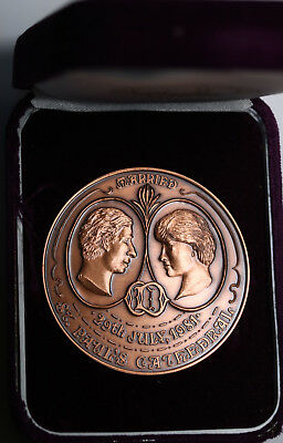 Australia Numismatic Ass. of Victoria 1981 Medal Lady Diana & Prince Charles