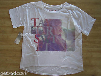 NEW Taylor Swift Red Tour Promotional T-SHIRT TEE SHIRT LADIES M White Letters