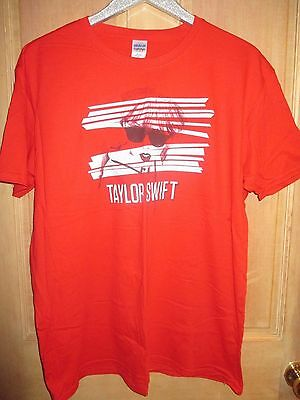 NEW Taylor Swift Red T-SHIRT TEE SHIRT LADIES M TOUR CONCERT PROMO