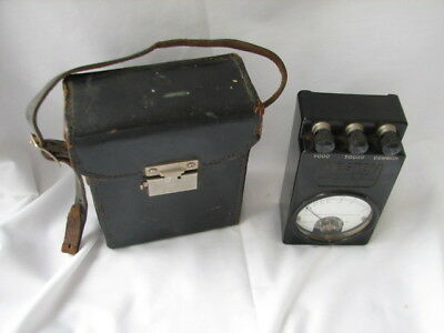 VINTAGE WESTON MODEL 689 OHMMETER With Strapped Leather ??  Case