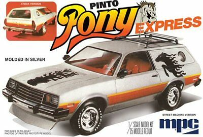 1979 Ford Pinto Wagon Pony Express 1/25 scale skill 2 MPC model kit#845