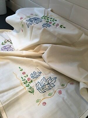 VINTAGE 1930's EMBROIDERED LINEN SQUARE TABLECLOTH