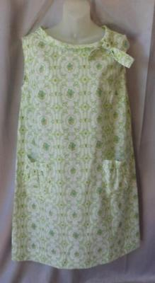 PRETTY WHITE & GREEN FLORAL PRINT Vintage 1960s MOD COTTON SHIFT DRESS