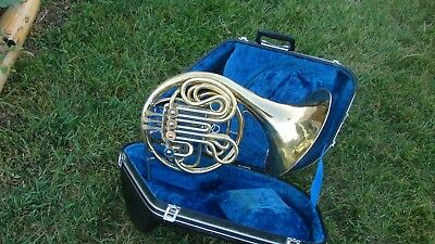 YAMAHA 561 DOUBLE FRENCH HORN PLAYS GREAT GOOD COMPRESSION DISINFECTED cleaned