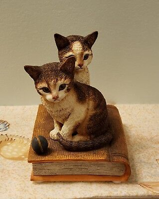 ALEXIS & RAGTIME Curious Cats on Book by San Francisco Music Box