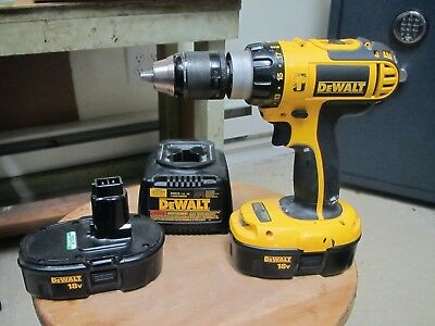 DEWALT DC725 1/2' Hammer Drill w/ 2 Batteries and Charger