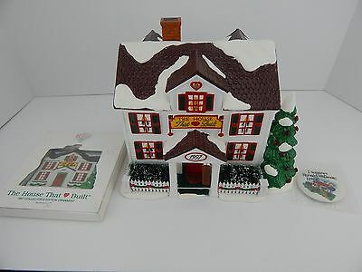 Dept 56 1997 The First House That Love Built Ronald McDonald House & Ornament