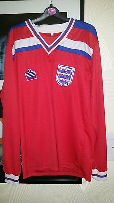 """England 1982 long sleeve Football Shirt 20"""" pit to pit"""