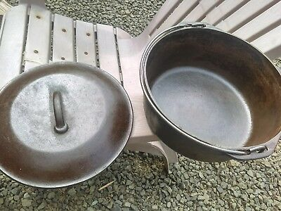 Vintage 10 1/4 Inch No 8 Cast Iron Dutch Oven With Lid and Handle