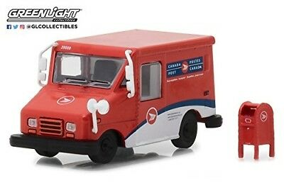 Greenlight 29889 Canada Post LLV Long-Life Delivery Vehicle 1:64 Scale w/Mailbox
