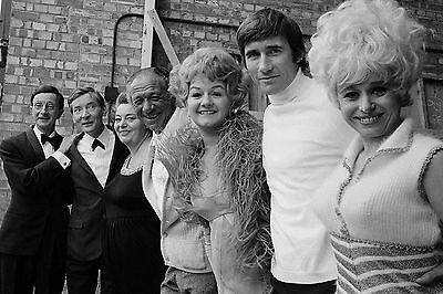 """Carry On Actors Group 10"""" x 8"""" Photograph"""
