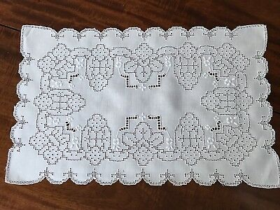 12 VINTAGE EMBROIDERED LINEN LACE PLACEMATS w/ OPENWORK