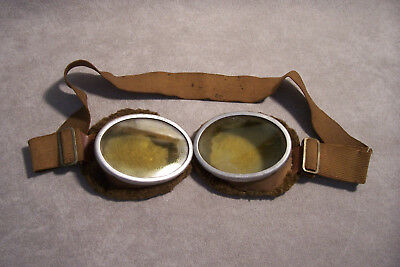 Militaria WW1 or WW2 Aviator Goggles Fleece LIned Vintage Military