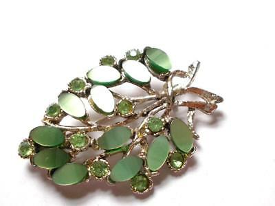 VINTAGE 1940's GREEN THERMOSET LUCITE & GLASS CRYSTAL LEAF FLORAL SPRAY BROOCH