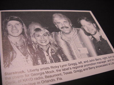 RICKY LYNN GREGG and JOHN BERRY turn on the charm 1993 music biz promo pic/text
