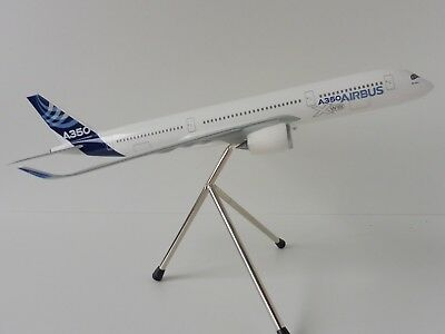AIRBUS A350-900 House Colours 1/200 Limox Wings AS03 A350 A 350 XWB