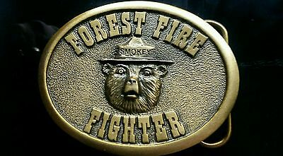 .....Smokey's  2003.  FIRE FIGHTER BUCKLE. OLD STOCK ITEM. MINT NEVER WORN.