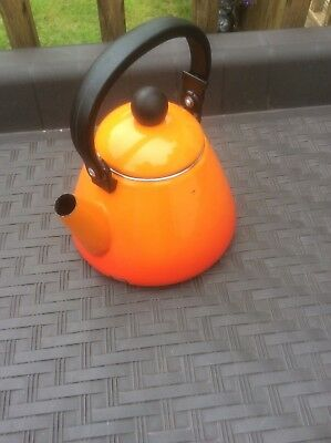 Le Creuset Kettle 1.6. Litres   Volcanic Orange.   Gas Kettle