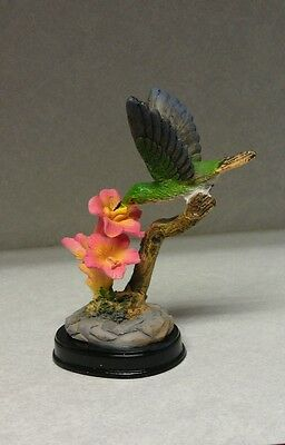 Hummingbird Figurines 2 Pink Flowers Outside Birds Nector Hummingbirds