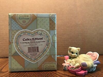 """Enesco Calico Kittens """"A Cat Must Be Loved On It's Own Terms"""" Cat In Bed  686557"""