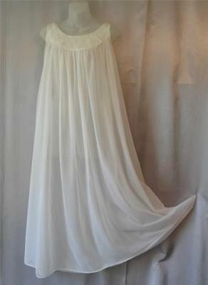 ROMANTIC SHEER NYLON Vintage 1960s LACY IVORY NEGLIGEE NIGHTGOWN
