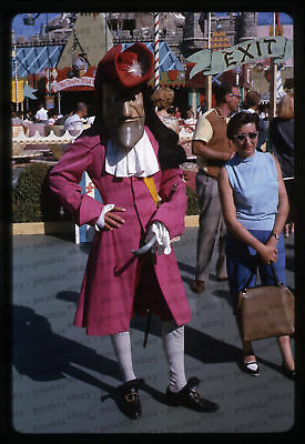 (27) Vintage 1964 35mm Slide Photo - DISNEYLAND - Captain Hook