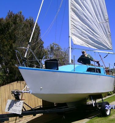 Trailer Sailor with swing keel