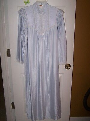 Vintage Barbizon light lilac long sleeve night gown women size L
