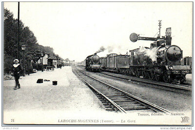 89 LAROCHE - la gare (locomotives)