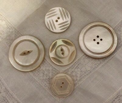 Vintage Mother of Pearl Shell Buttons Mixed Sizes 2 Hole Button Lot 38-3